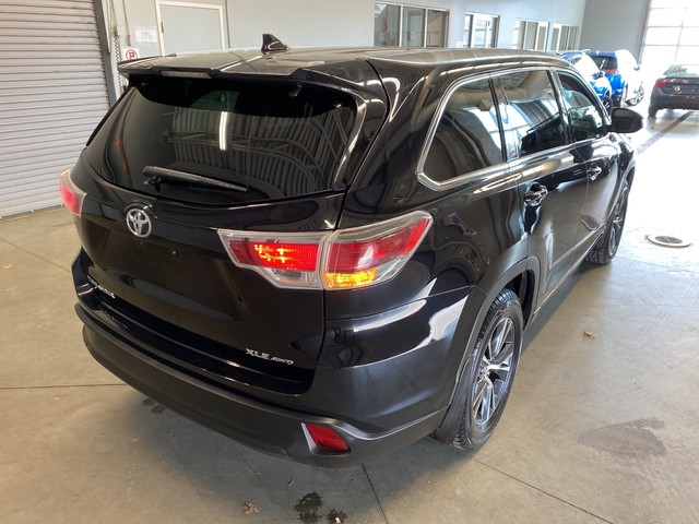 Pre-Owned 2016 Toyota Highlander XLE - V6 AWD